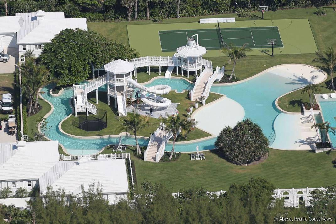 Le parc aquatique g ant de la maison de c line dion en for Villa de celine dion en floride