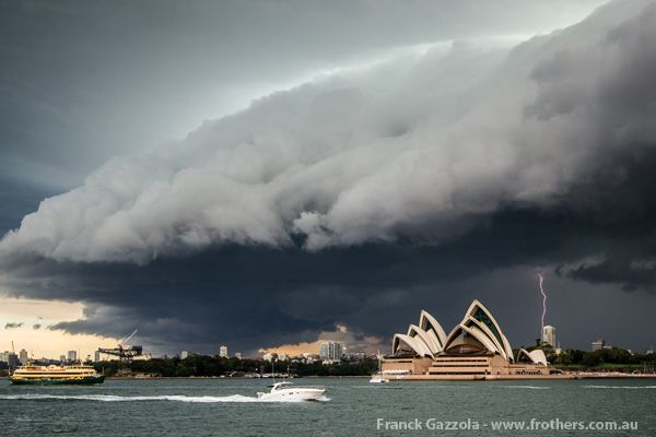 06 Mar 14 Sparkie Sydney CBD Sydney city, Weather