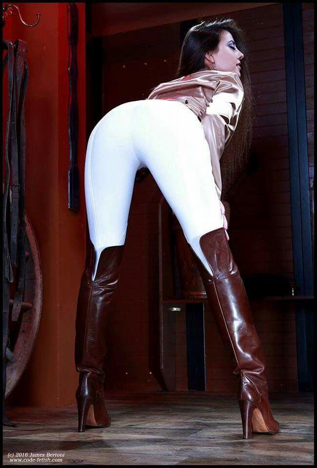 Pin By Sadek De Brishen On Ass Worship Sexy Outfits Boots Fashion Models