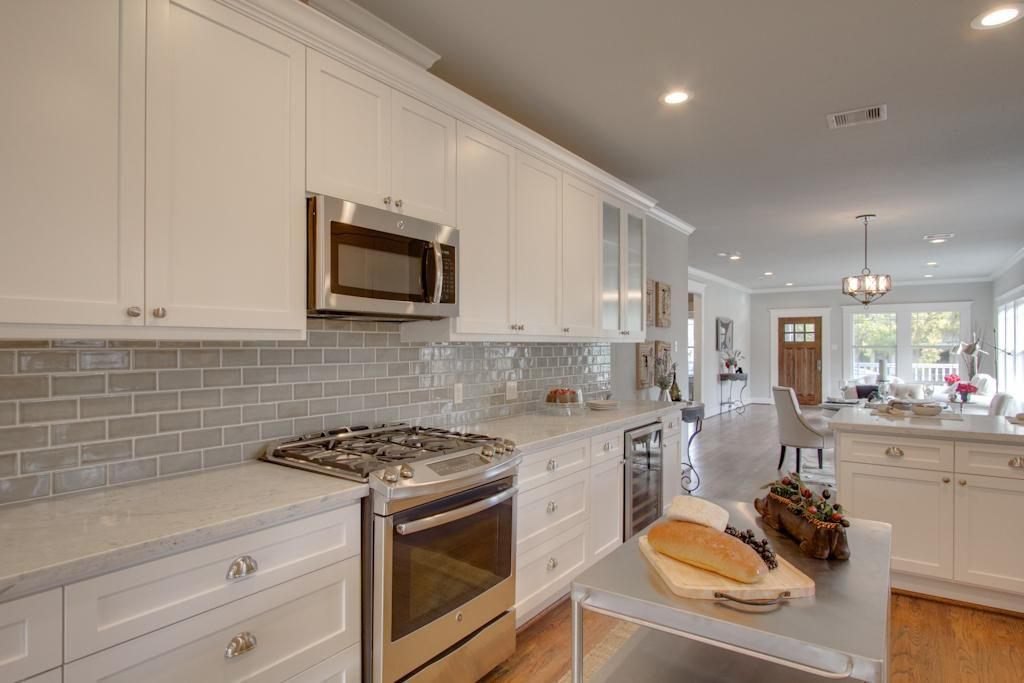 1107 Archer Houston, TX 77009: Photo Stainless appliances, carrara marble countertops, handcrafted porcelain tile backsplash; this kitchen has everything!