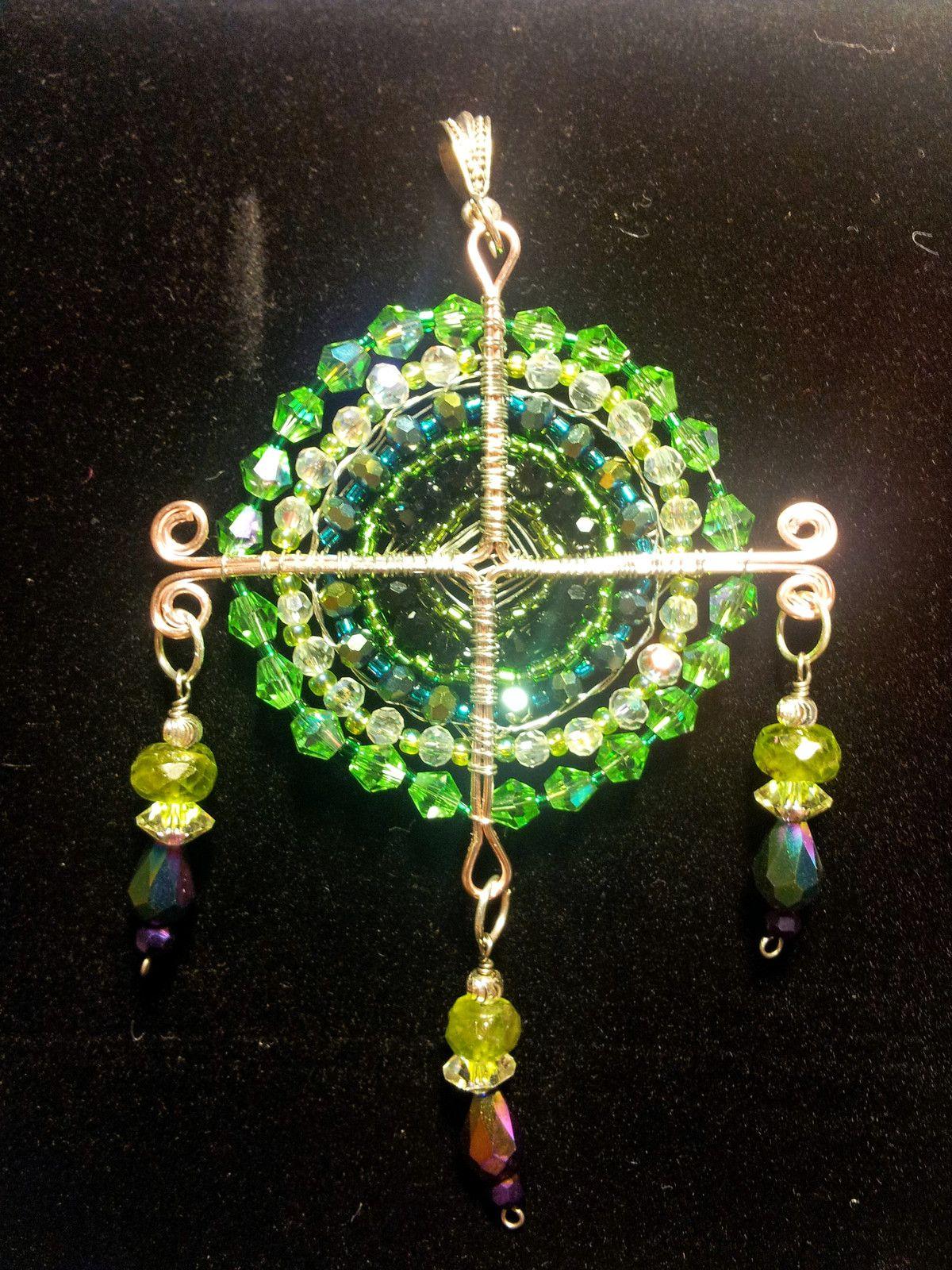God's Eye Pendant - Green - Mixed Materials