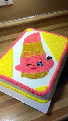 Shopkins Lippy Lips Cake, Buttercream Icing