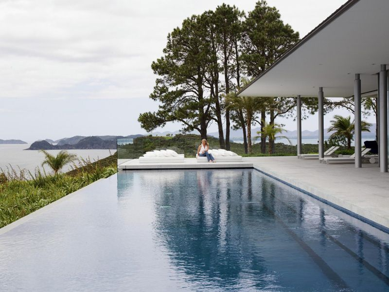 Infinity Edge Swimming Pools and Their Cost