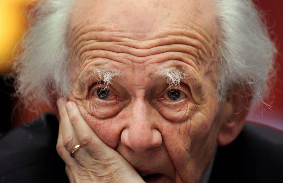 El sociólogo Zygmunt Bauman en una conferencia de prensa en Oviedo, en octubre de 2010.