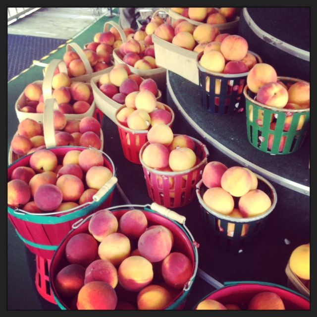 Fresh Georgia peaches for the JBH pimento croquette salad @johnrivers4r #jamesbeard #jamesbeardhouse #jbfa #dining #restaurants #florida #nyc #jbf #4r #4rivers #bbq #orlandodining