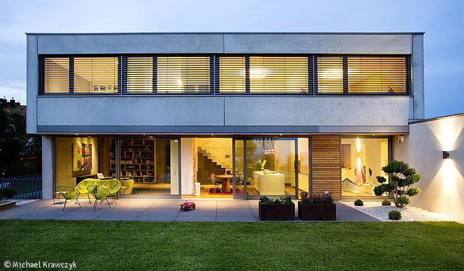 Wohnlicher beton m nchen cube magazin h user in 2019 for Beton haus bauen