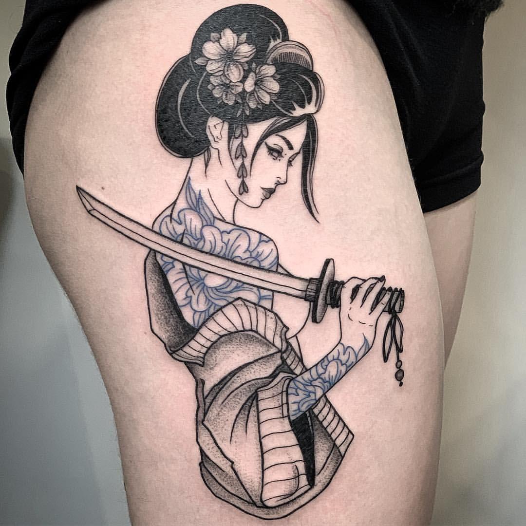 "Photo of Maaya J. on Instagram: ""♦️ DON'T COPY PLEASE ♦️First piece done at @lilletattooconvention 🙏🏻🖤 #flash tattoo #flashworkers #geisha #geishatattoo #japanesegirl…"""