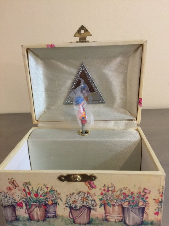 Vintage Holly Hobbie Jewelry Box Music Box Laras Theme
