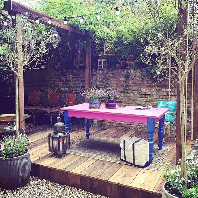 My Outdoor Office Is Starting To Take Shape Matthew Williamson Patio Y Jardin Patios Terrazas