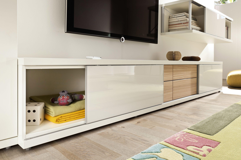 hlsta lowboard elegant eck tv schrank lowboard nussbaum wei stunning hulsta now time sideboard. Black Bedroom Furniture Sets. Home Design Ideas