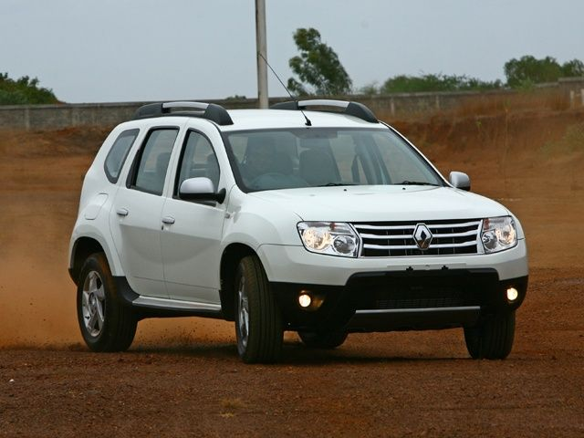 On Road Pictures On Renault Duster In White Carros Cores Aventura