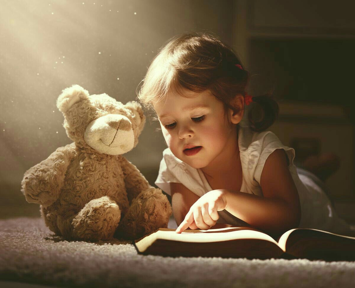 Reading To Teddy Do You Like This One Kids Reading Kids Photoshoot Kids Photos