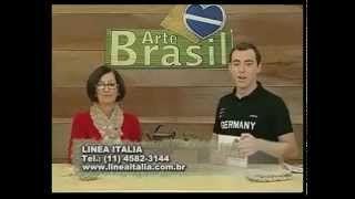 Gorro canelado em trico, via YouTube.