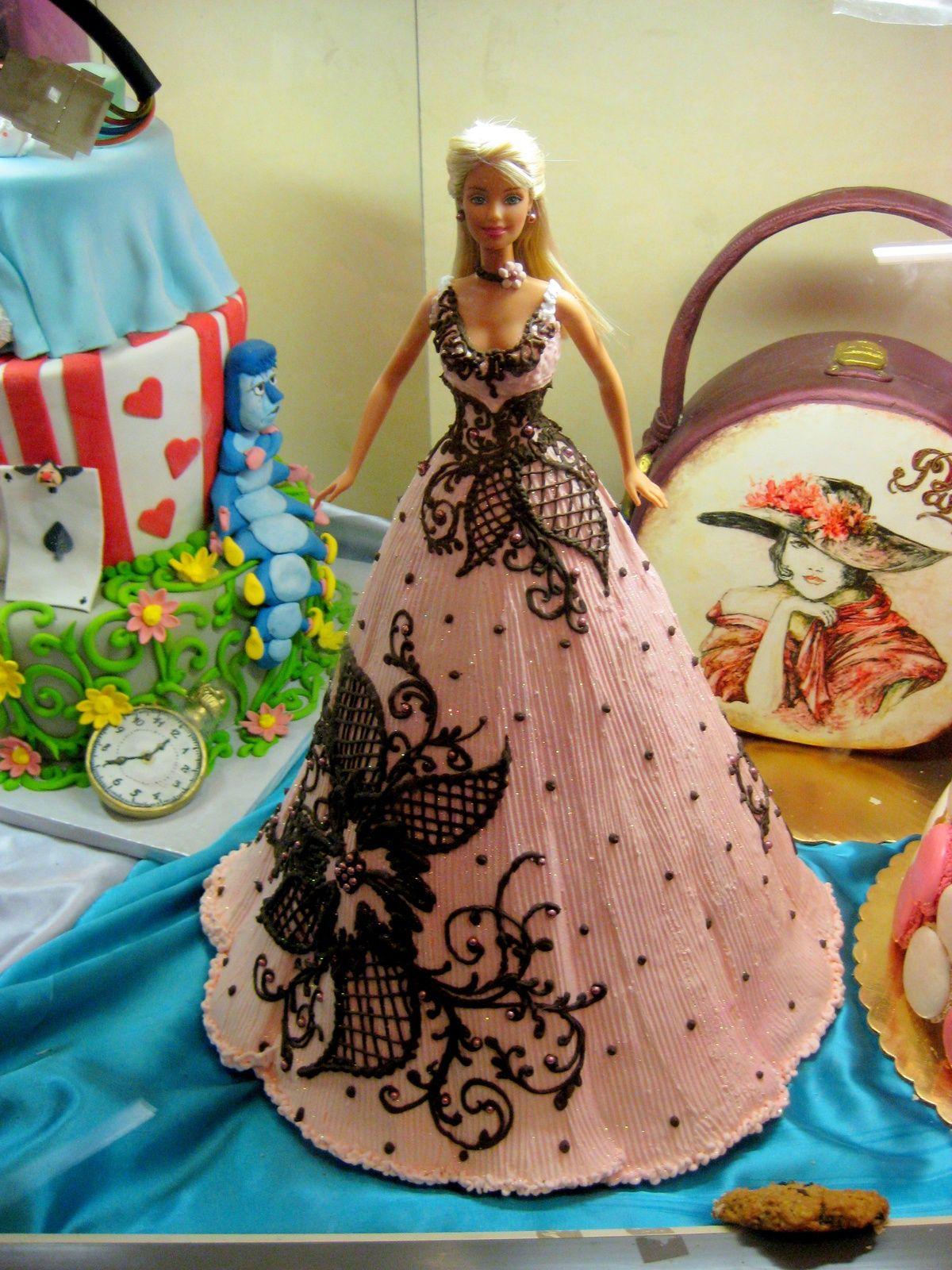 Торт в виде куклы барби фото