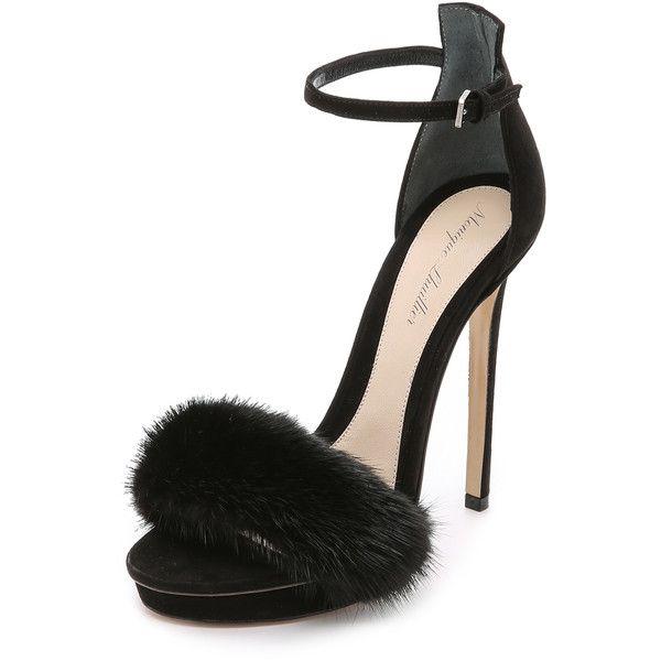 Monique Lhuillier Marlowe Fur Sandals (7.275 NOK) ❤ liked on Polyvore featuring shoes, sandals, heels, noir, vintage heels shoes, monique lhuillier shoes, heeled sandals, vintage shoes and vintage platform sandals