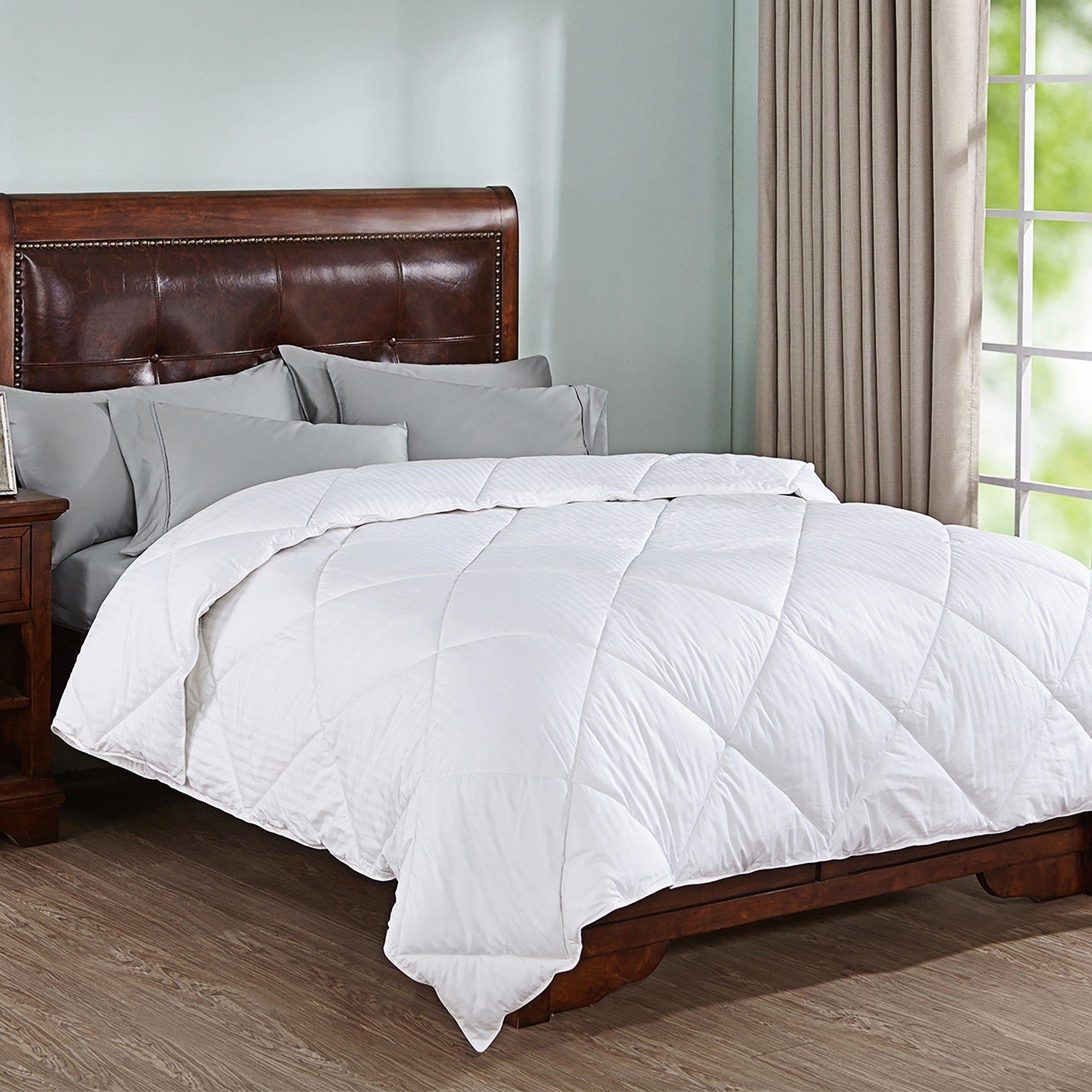 Peace Nest All Season Doby Stripe Down Alternative Comforter