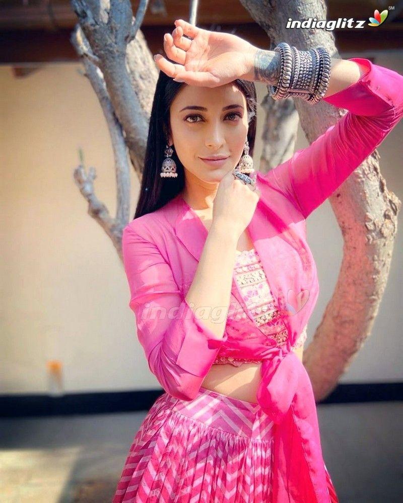 Shruti Haasan Photos - Telugu Actress Photos, Images -2543