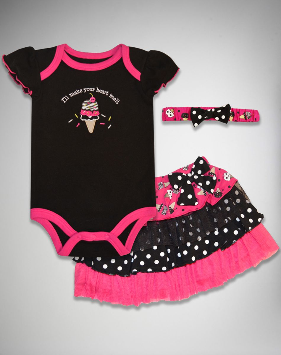 Heart melt snapsuit set 3 pc found at spencers gifts online store stinkin cute baby mine
