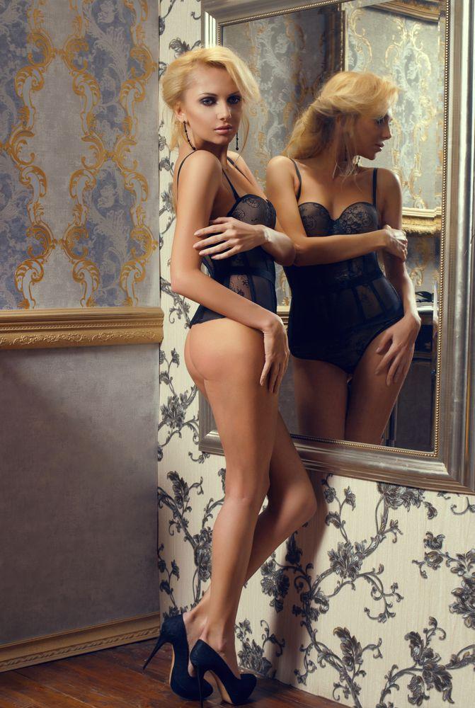 Twin lesbian pics