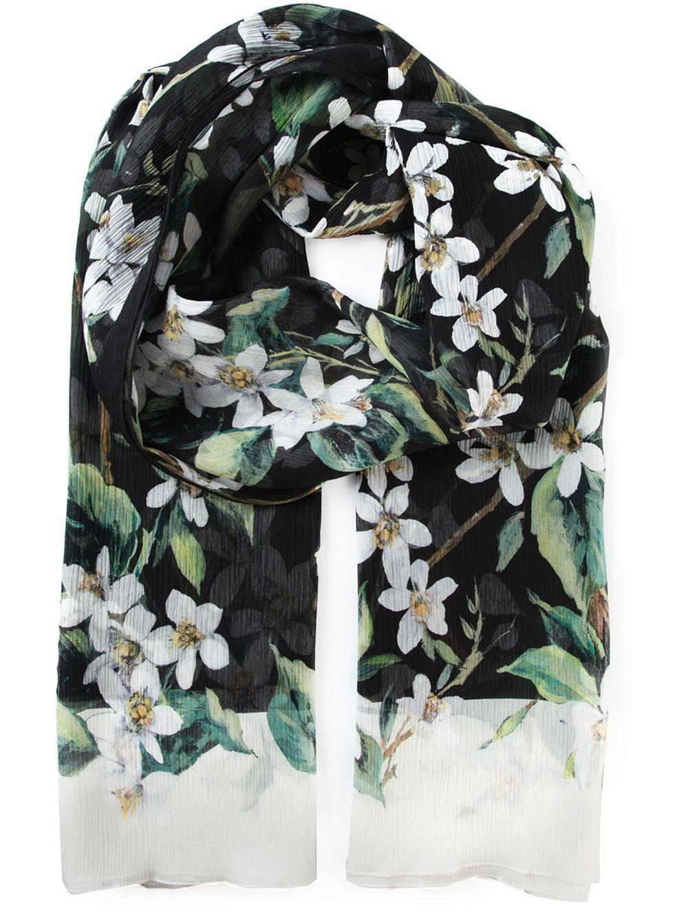 http://www.farfetch.com/de/shopping/women/dolce-gabbana-seidenschal-mit-orangenblten-print-item-10941866.aspx?storeid=9709