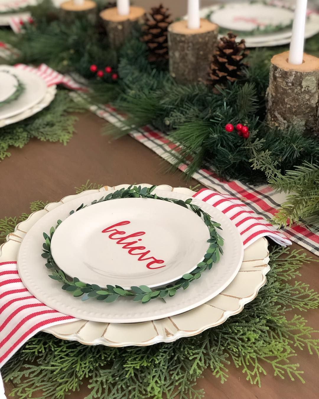 Tiffany On Instagram Happy Chilly Sunday Morning We Have Gone From Summer Straig Christmas Table Decorations Holiday Tablescapes Christmas Entertaining