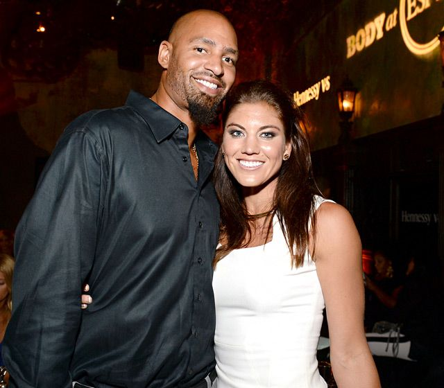 nfl players dating celebs