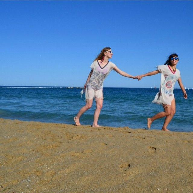 Running wild with our comfy caftans - 100% cotton as always!  #Molacoton #molamonton #summer #verano #caftan #ropadeplaya #tunic #cotton #algodon #natural #turkishtowel #fouta #peshtamal #peshtamal #pestemal #pestamal #viaje #viajar #viajero #travel #traveler #traveling #fashion #moda #sustainablefashion #modasostenible #barcelona #barceloneta #nofilter