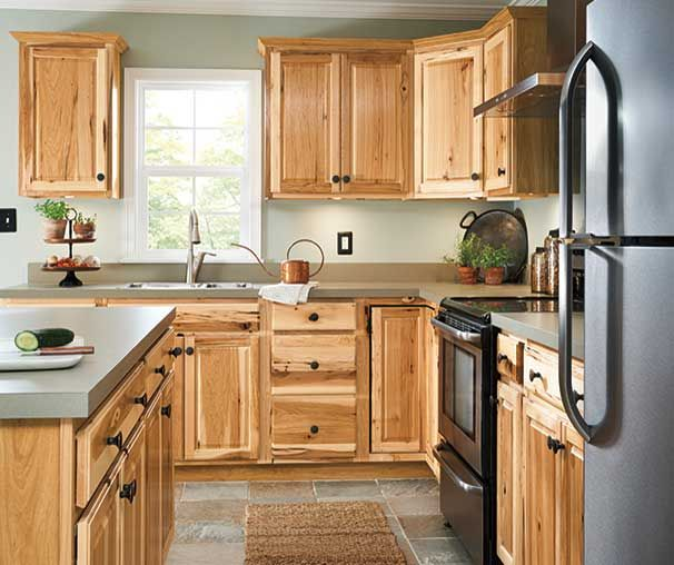 Diamond Now At Lowe S Denver Collection Knots And Varied Grain Pattern Brings A Sense Of Hickory Kitchen Cabinets Rustic Renovation