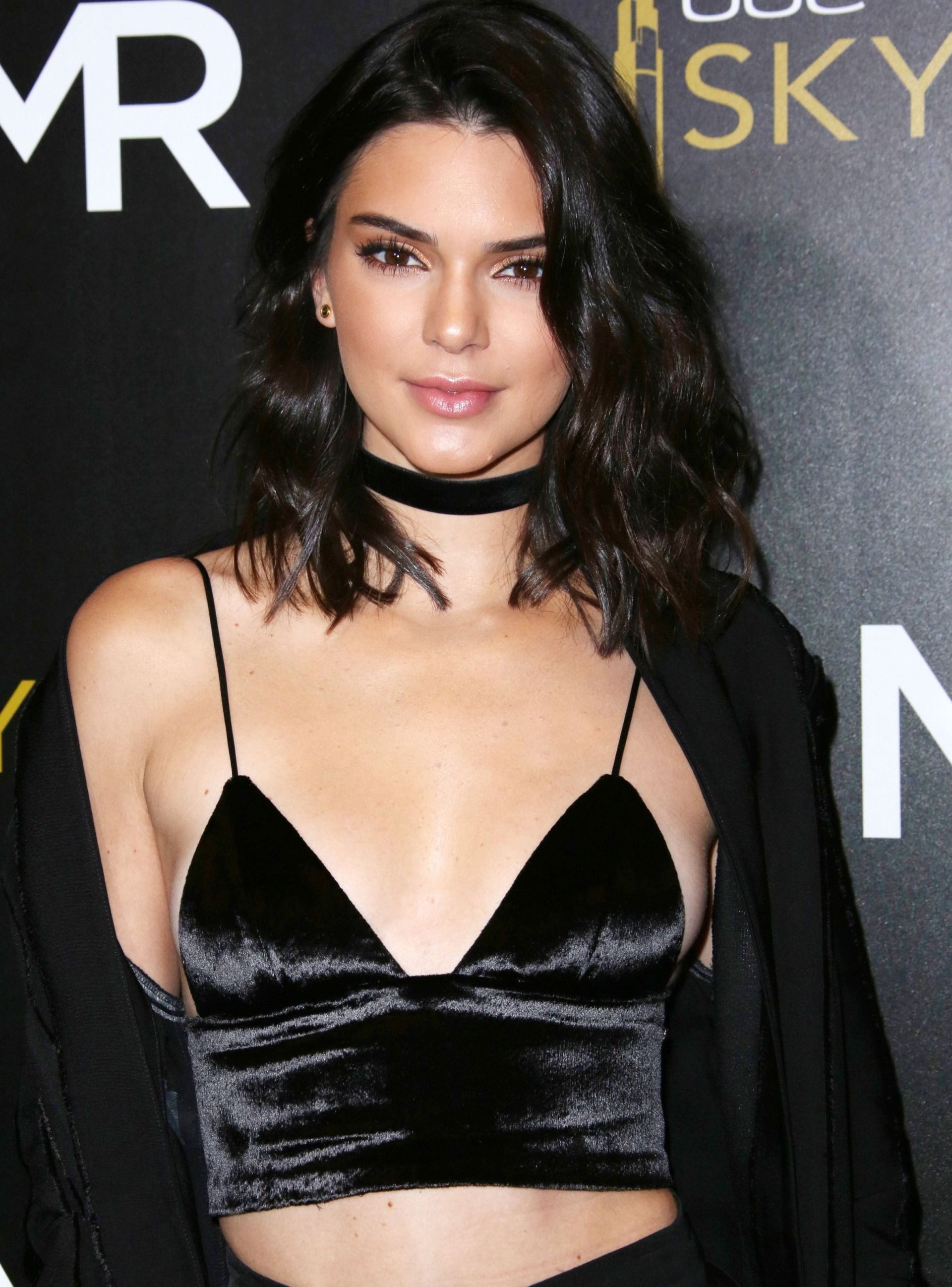 Kendall Jenner tits. 2018-2019 celebrityes photos leaks!