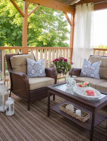 Wonderful Ways To Hang Outdoor Curtains From Rods And Hooks To