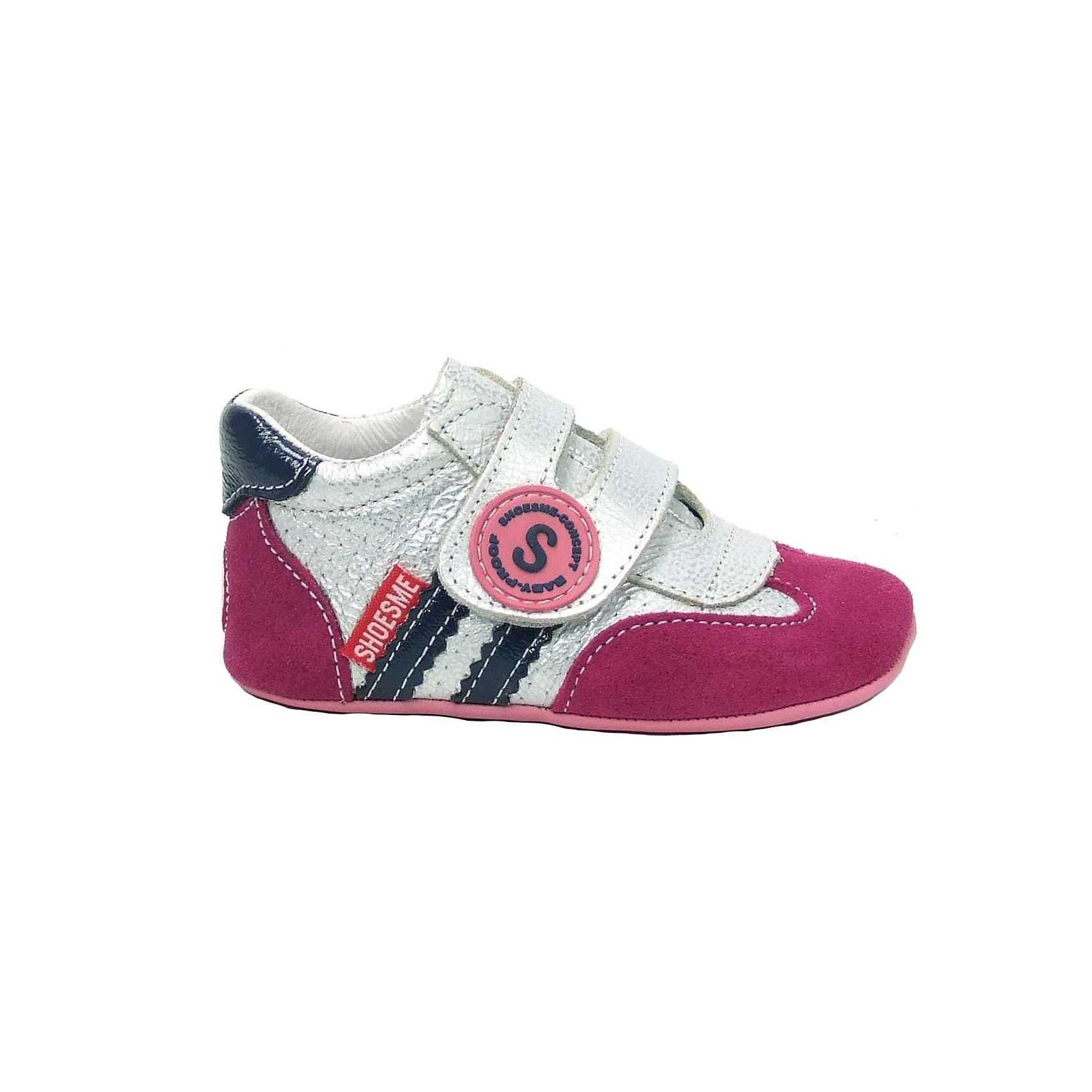 0683d9749a8 Meisjes baby schoenen van Shoesme! Deze kinderschoenen zijn van fuchsia roze  suede en metallic zilver
