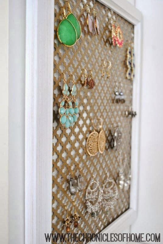 Diy Earring Organizer In Five Minutes The Chronicles Of Home Diy Earring Organizer Earring Organizer Diy Earring Holder