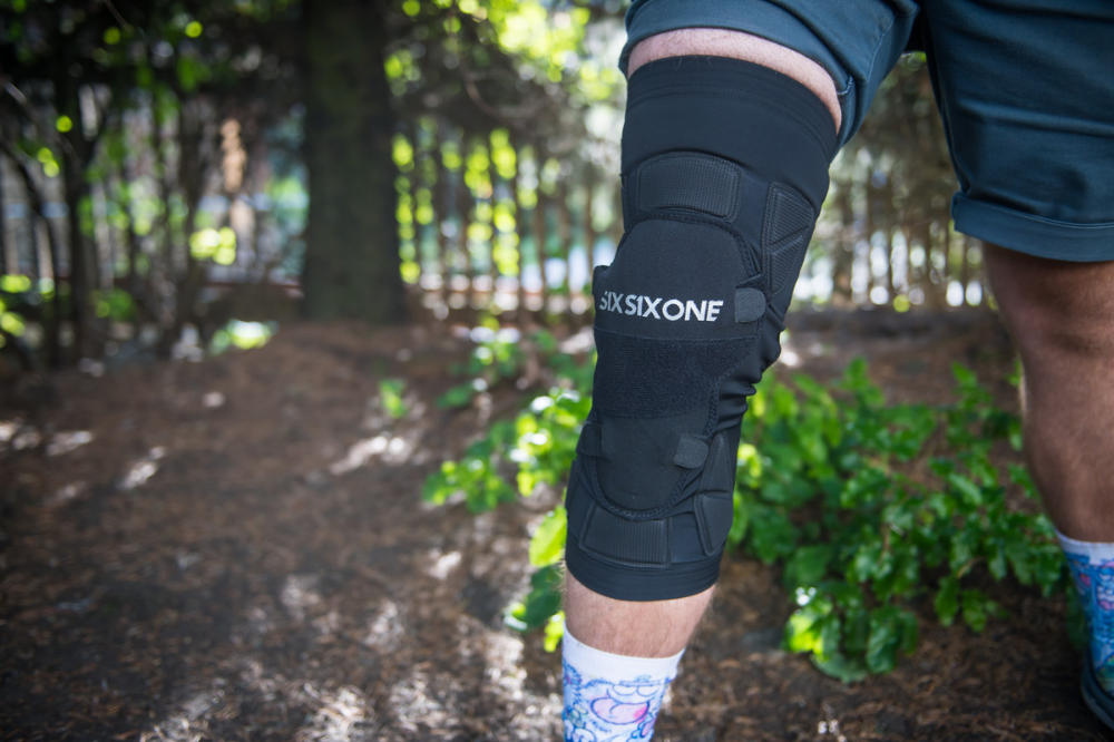 All New 661 Recon Advanced Knee And Elbow Pads Pit Bits 2019 Crankworx Whistler Bike And Tech Mountain Biking Pictures