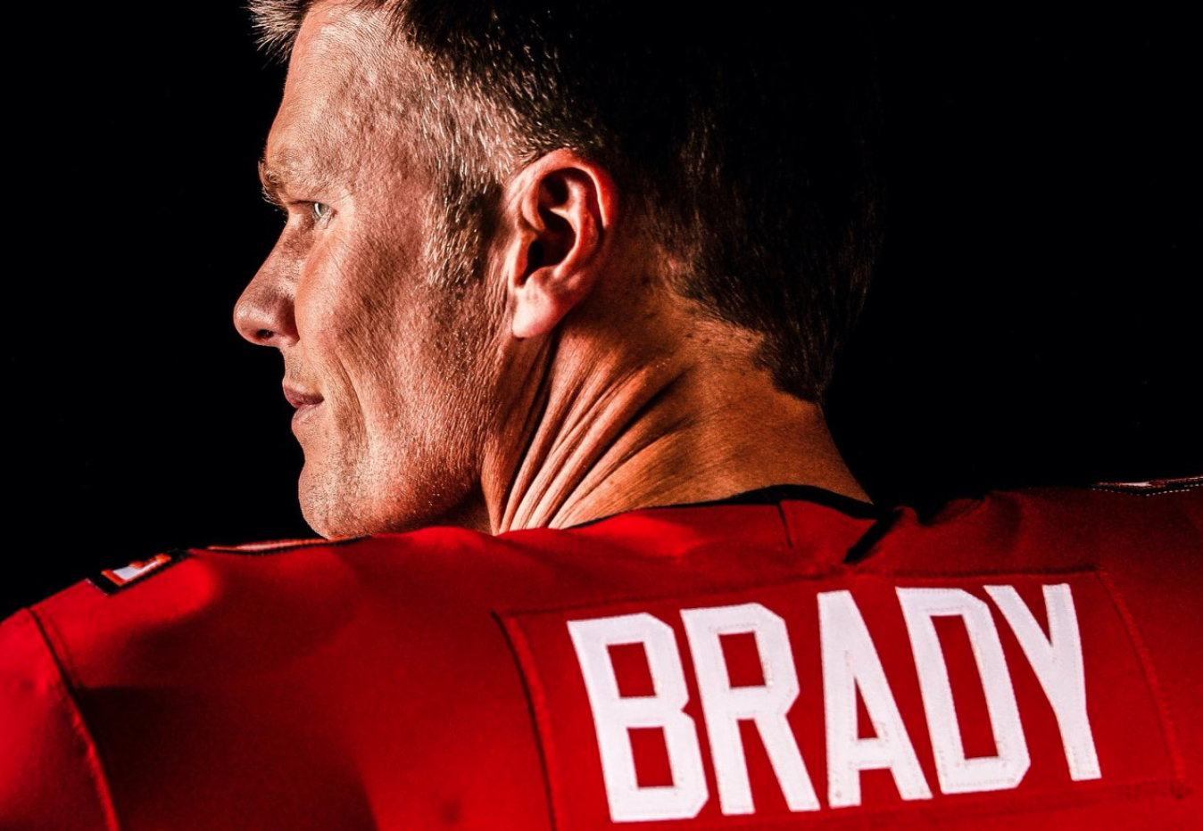 First Look Tampa Bay Buccaneers Reveal First Images Of A Fully Kitted Tom Brady Essentiallysports In 2020 Tampa Bay Buccaneers Tom Brady Buccaneers