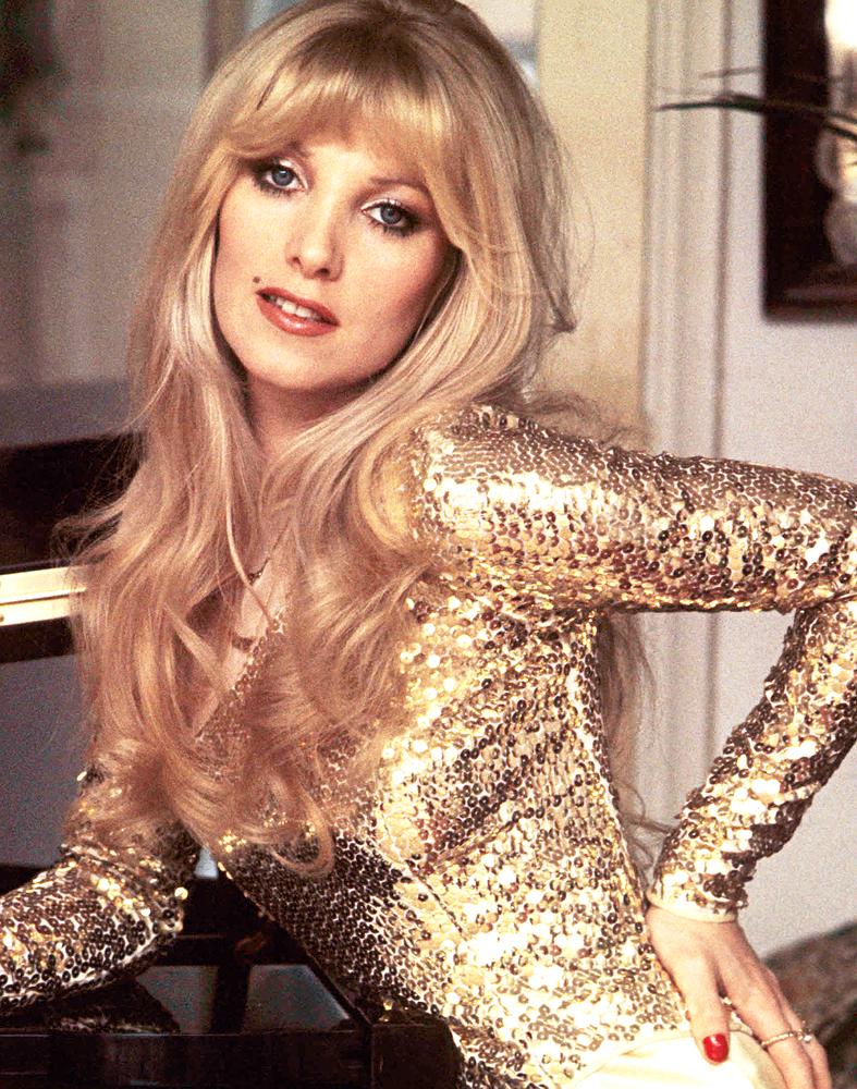 Lynsey De Paul 1974 In 2021 Glam And Glitter Celebrities Glam Rock