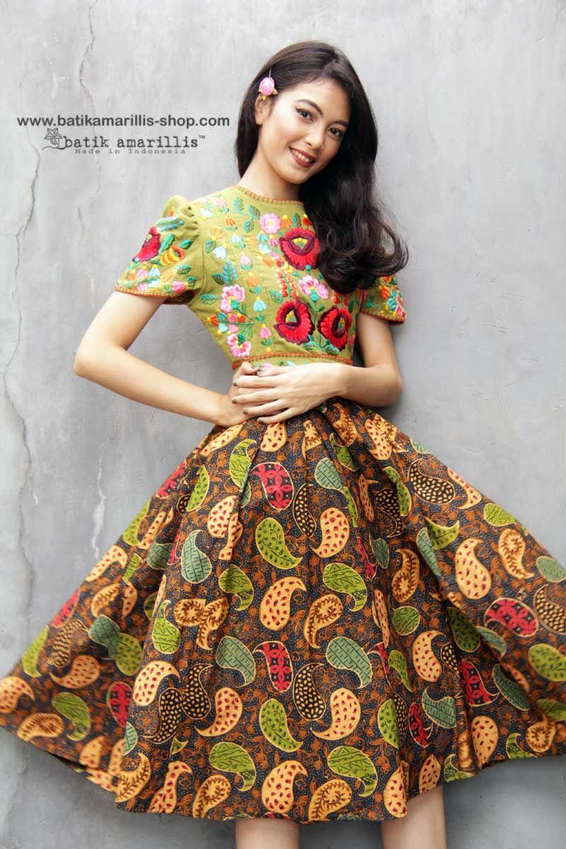 Batik Amarillis made in Indonesia www.batikamarillis-shop.com Batik  Amarillis s Birthday dress 32f4d65c16