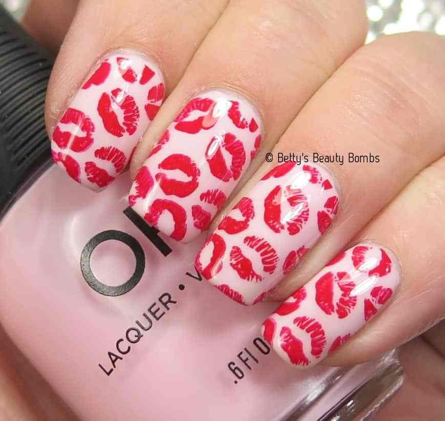 Sweet Kisses Nail Art | Valentine\'s Day nails | Pinterest | Kiss ...