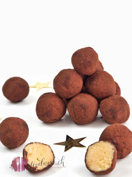 Einfache Baileys Kugeln, aus nur 5 Zutaten   Food-Blog Schweiz   foodwerk.ch #löffelbiskuitrezept