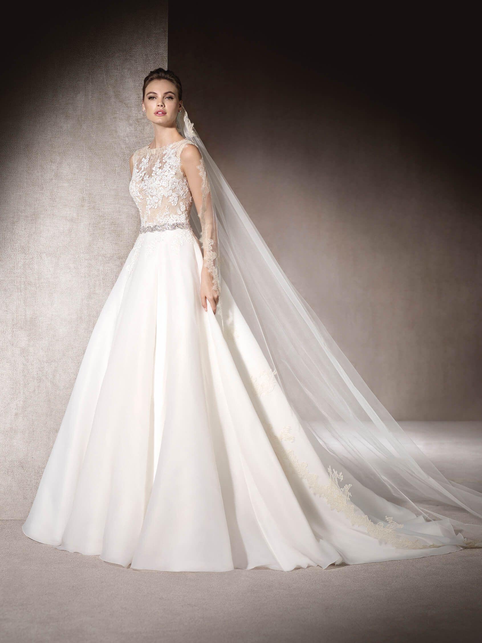 St. Patrick Beaded Belt Embellished A-line Lace Bodice MARITAL Wedding Dress by St. Patrick
