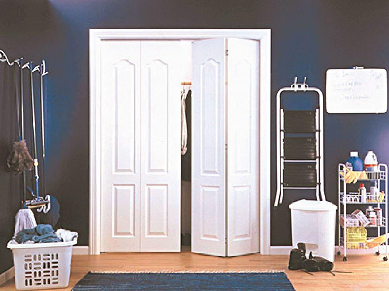 Top 30 Closet Door Ideas To Try To Make Your Bedroom Tidy And Spacious Closet Door Paint Closet Door Panels Closet Door Light Switch Closet Door Ideas Cheap