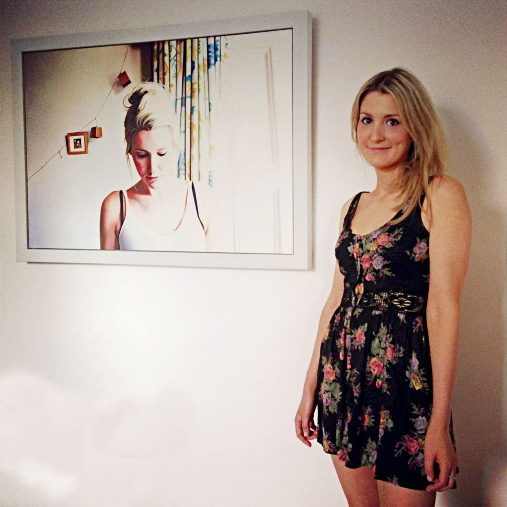 Life-like painting artists...Claire Duguid-Her painting look like photographs...Two thumbs up!