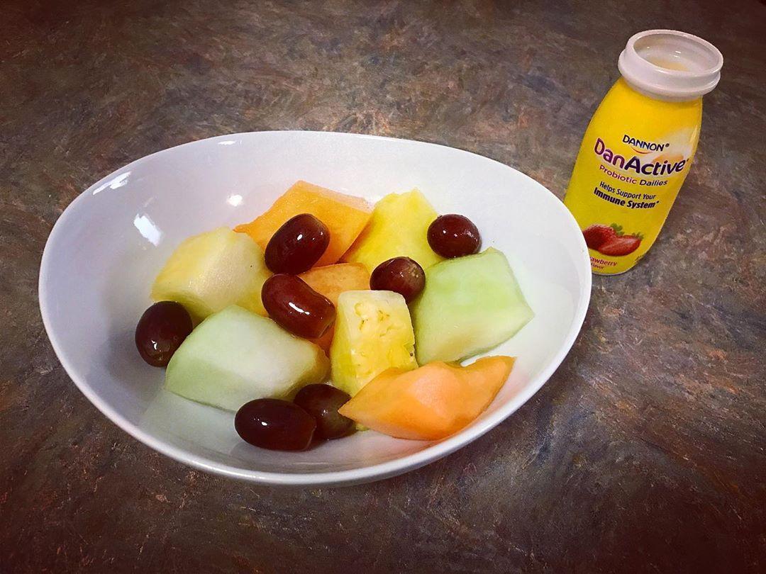 Good morning ☀️ #fruit #canteloupe #honeydewmelon #grapes #freshpineapple #probiotics #healthylifestyle #healthyfamily #startthedayright #goodmorning #breakfast