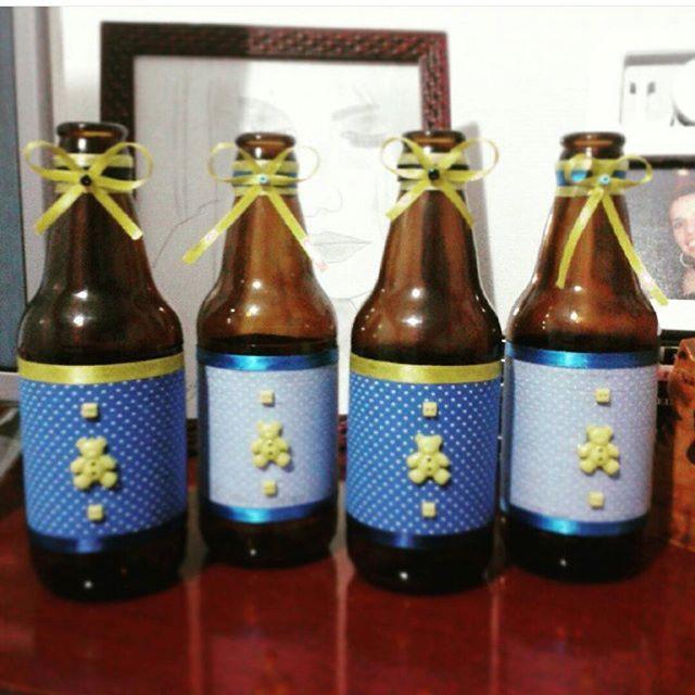 Garrafas decoradas para chá de bebê. #garrafasdecoradas #amorlilas @julianagmoura