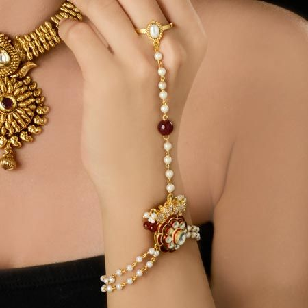 Pearl And Diamond Finger Bracelet Is Perfect Match With Any Of