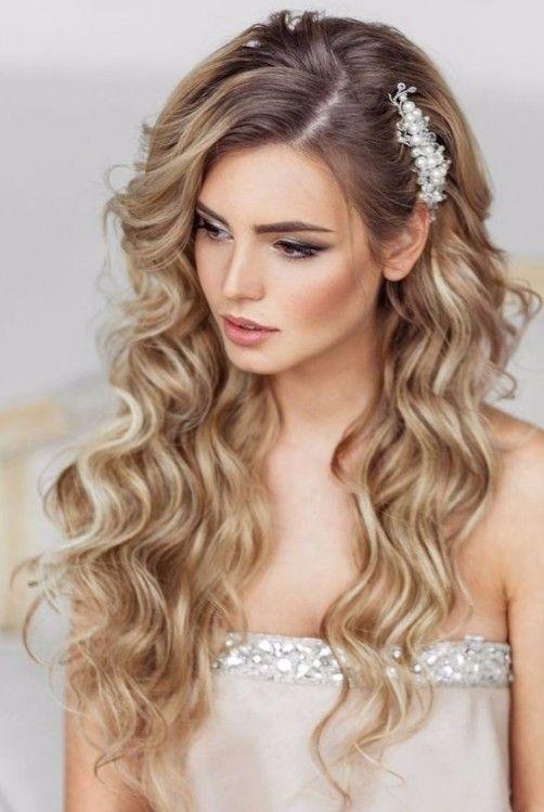 Uzun Saclilar Icin Gelin Sac Modeli Long Hair Styles Hair