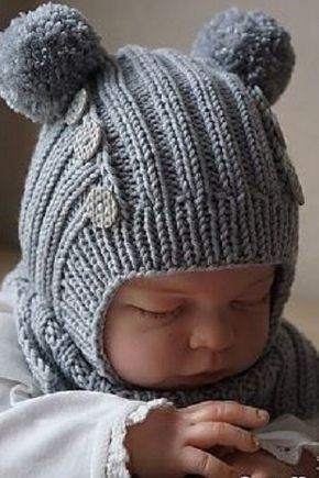 Шапочка шлем с помпонами для новорожденного спицами - описание ...