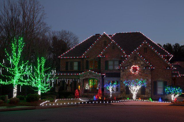 The Best 40 Outdoor Christmas Lighting Ideas That Will Leave You Breathless Outdoor Christmas Lights Outdoor Christmas Christmas Light Installation