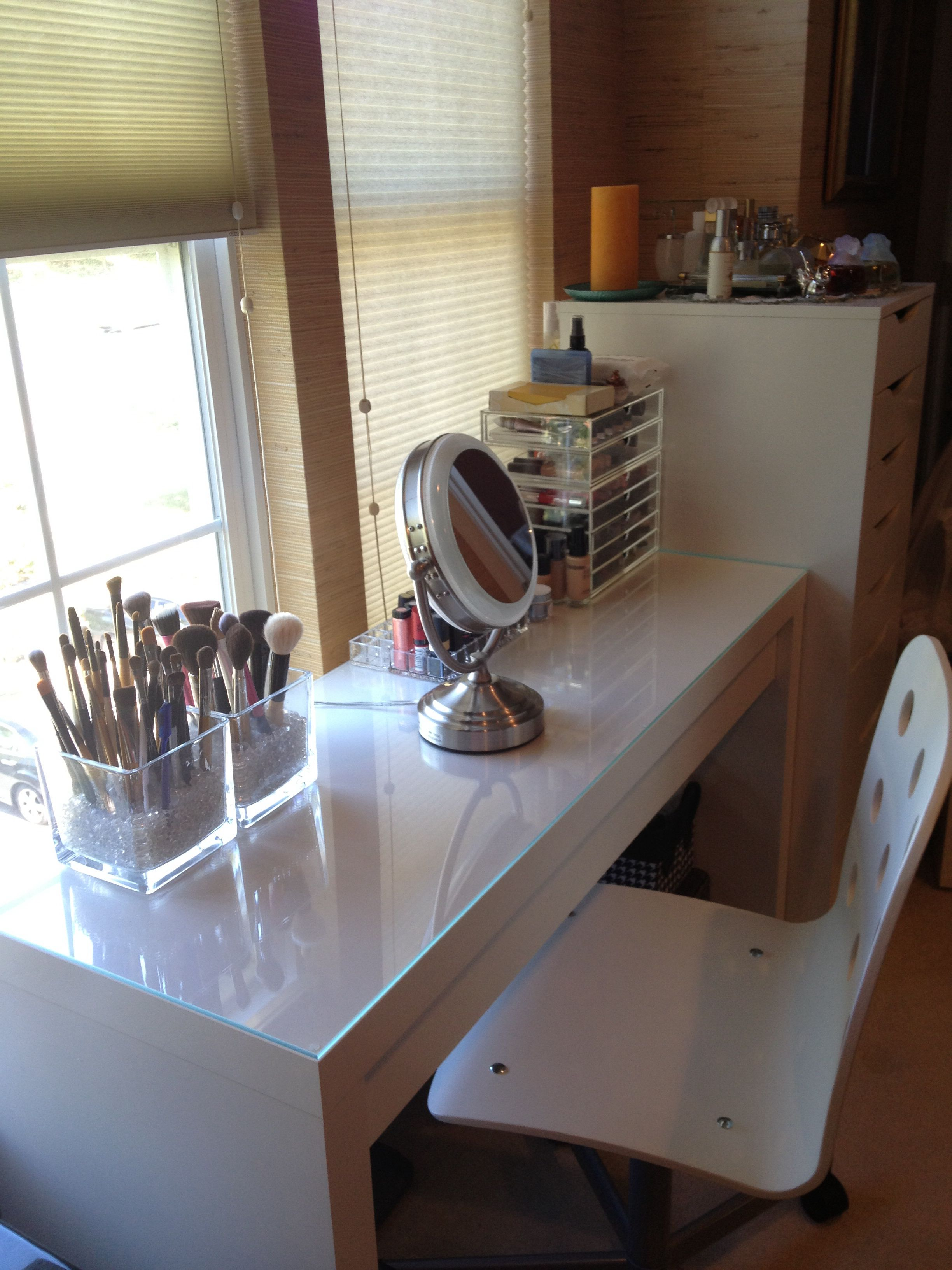 Merveilleux IKEA Malm Dressing Table   Used As Makeup Vanity. Chair Is Also From IKEA.