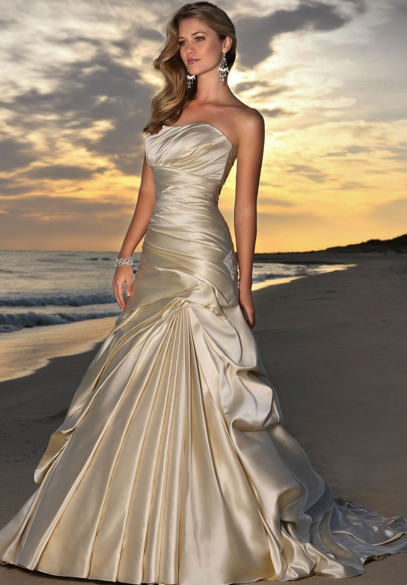 Things to wear on pinterest champagne wedding dresses for Champagne color wedding dresses