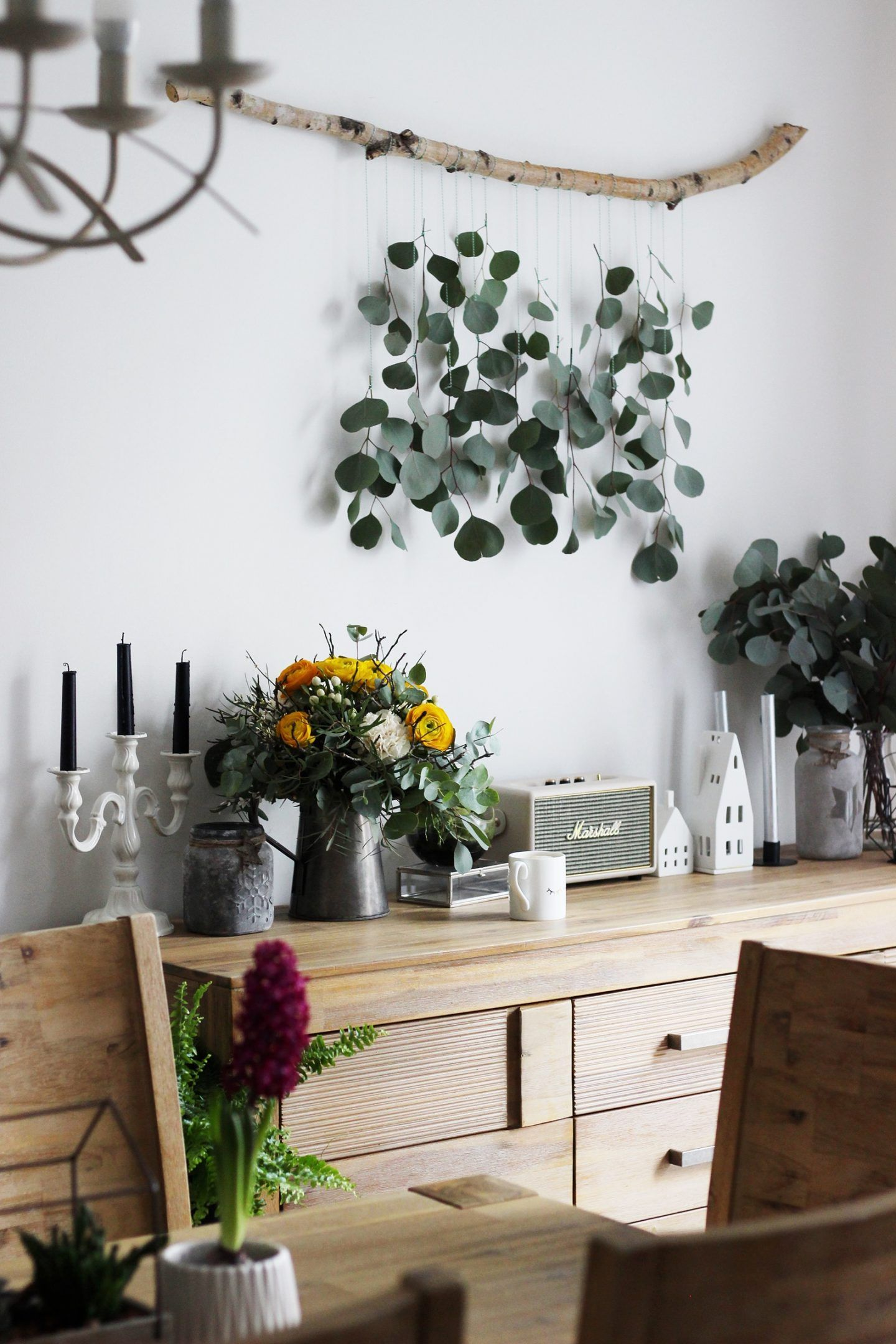 Photo of LIVING + DIY | Decoration idea to make yourself: Eucalyptus curtain for the living room